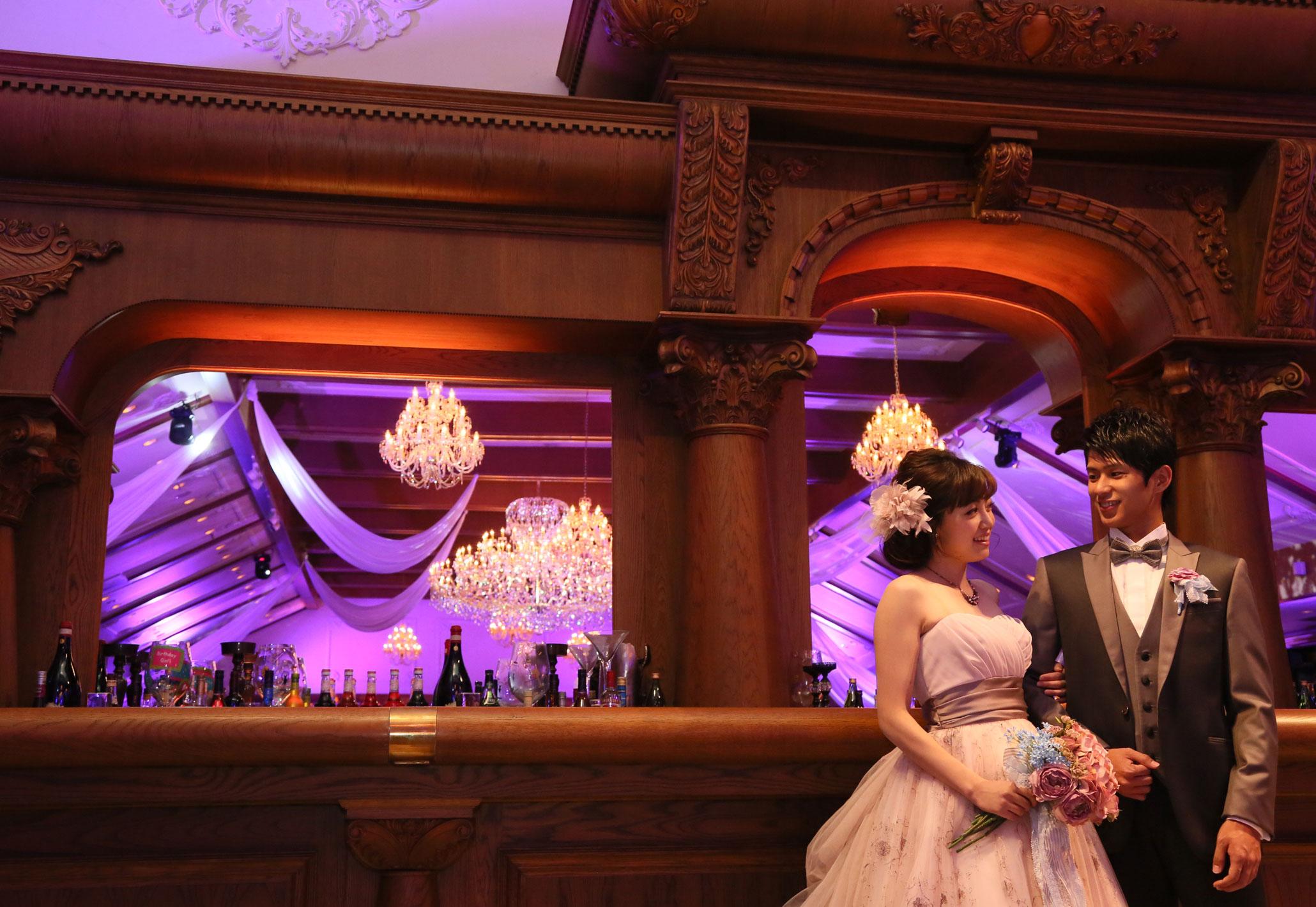 世界に三つしかないバーカウンターはゲストの注目を集めること間違いなし! | 高知県高知市の結婚式場ドリーマーベイシャトー