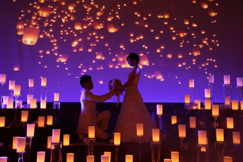 300インチの巨大スクリーンに照明、キャンドル、設備を最大に使って表現したラプンツェルの世界観 | 高知県高知市の結婚式場ドリーマーベイシャトー